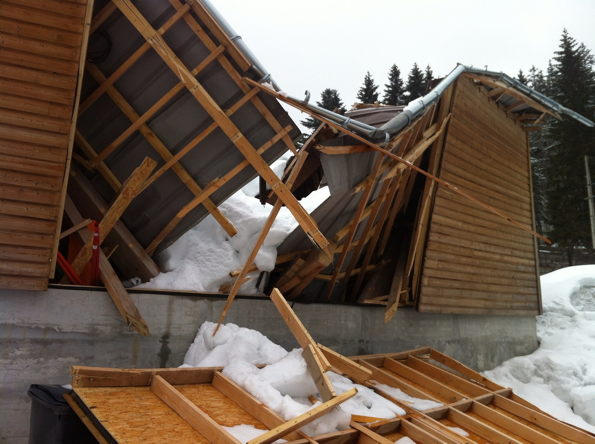 house collapse from heavy snow